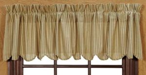 Heartland scalloped valance