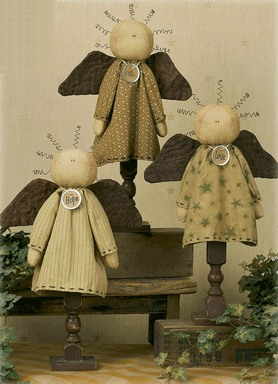 E7069-Faith-Hope-and-Love-Spindle-Angel-Set_LRG
