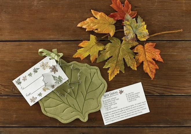 801-64-Maple-Leaf-Potholder-Cookie-Cutter-Set_LRG