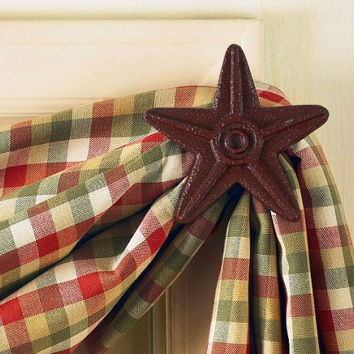 pkd-22-601m-red-star-cast-iron-curtain-hook-lrg