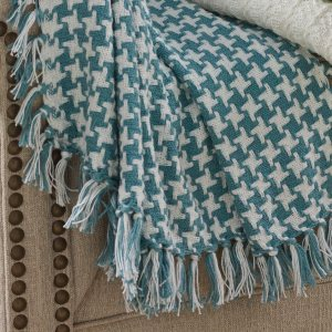 pkd-102-22b-blue-houndstooth-throw-blanket-lrg
