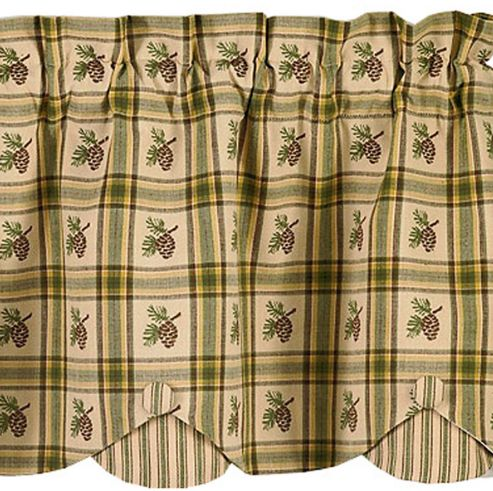 pine-lodge-scalloped-valance